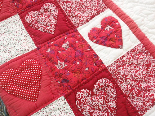 Mekong Quilts heart quilt close up