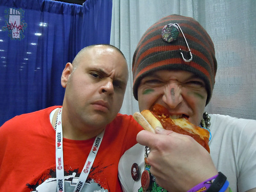 SDCC 2013 :: Tokka steals Alex Deligiannis's Pizza