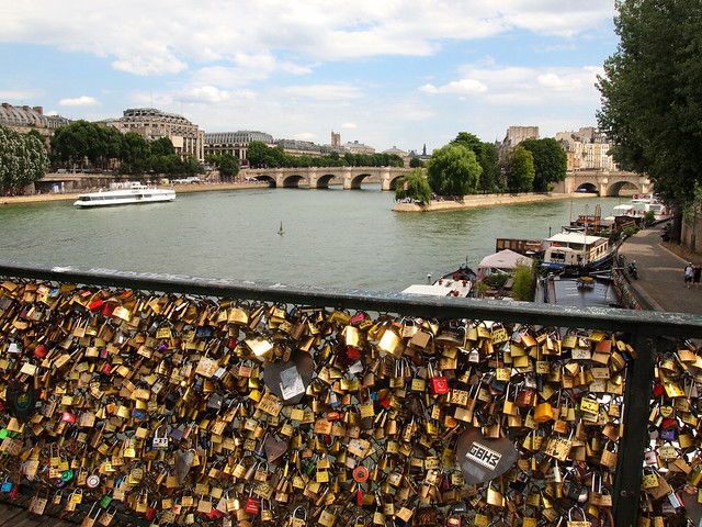 Pont des Arts love locks