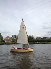 Sailing at 2 Beaufort (by Jasper Toxopeus)