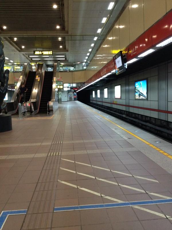 MRT台大医院駅 by haruhiko_iyota