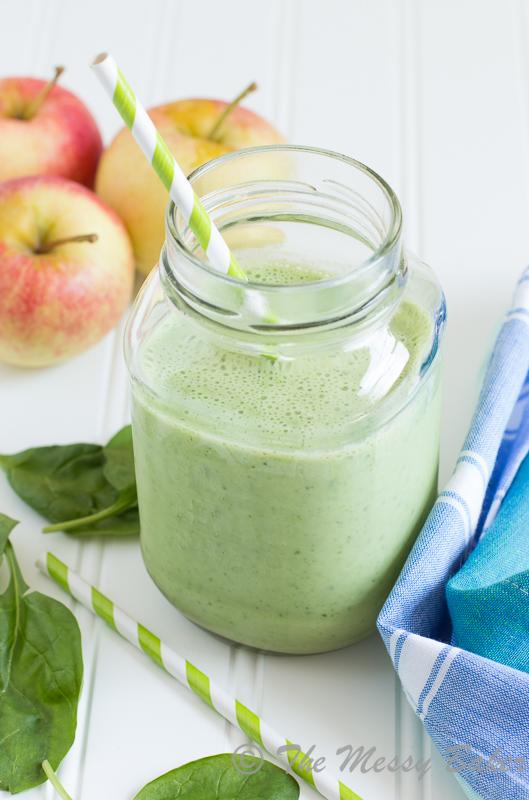 Apple Banana Green Smoothie | www.themessybakerblog.com -8581