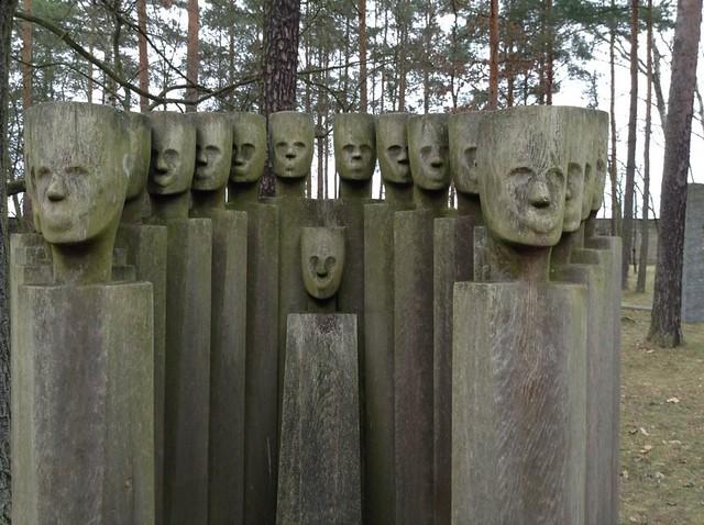 Скульптуры мемориал Заксенхаузен