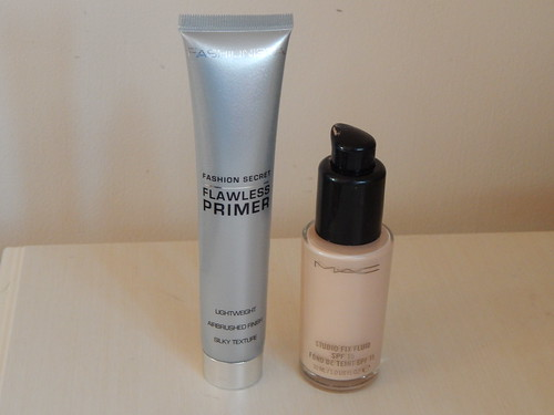 Mua Flawless Primer & Mac Studio Fix Fluid