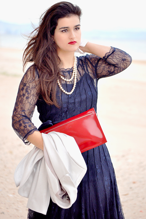 something fashion moda, blogger de moda valencia fashion blog, lace BCBG Max Azria dress vintage look beach New Year's Day, pearl necklace inspiration classy elegant blue amitié, sandals white gloves ideas christmas party outfit