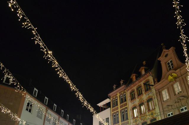 Mainz Weihnachtsmarkt light and buildings