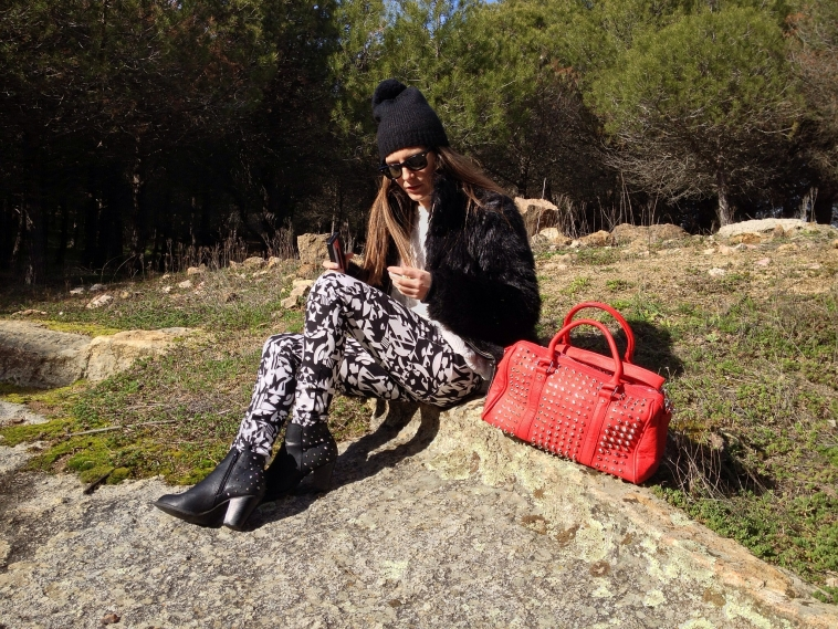 lara-vazquez-madlula-blog-2012-pop-red-winter