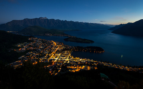 world city travel sunset newzealand mountain lake nature night dark landscape twilight cityscape nightshot pacific dusk clear southisland otago queenstown southernalps magichour goldenhour lakewakatipu halflight otagoregion