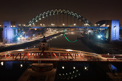 uk bridge england night river nightshot bridges gateshead tynebridge nightview swingbridge floodlit newcastleupontyne rivertyne tyneandwear tynebridges floodlighting rnbtyne