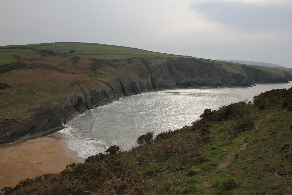 mwnt beach, traeth y mwnt, foel y mwnt