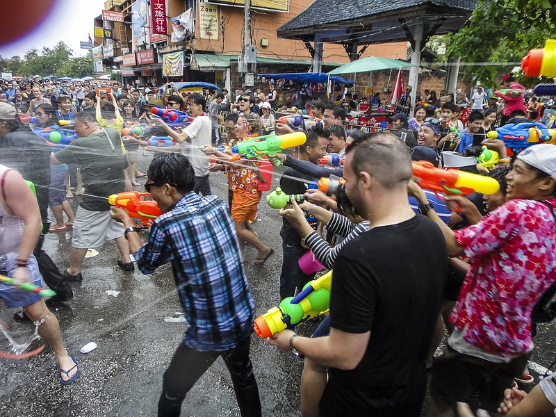 The Water-fight in Chiang Mai during Songkran_2014-35