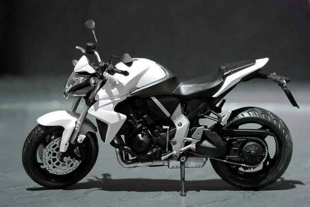 1:12 Modell Honda CB 1000 R