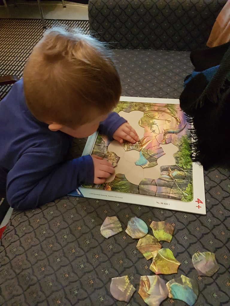 Dinosaur jigsaw | Little explorer and an exciting new skill