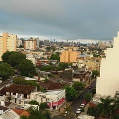 Nubes bajas en el amanecer del lunes... #CorrientesCityTour.com #corrientestequiere  #otoñoencorrientes