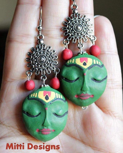 Kathakali inspired earrigns. **customized**  #handmadeearrings #kathakali #karnataka #indianinspired #Krishnaearrings #indiandance #MittiDesigns #rachanasaurabh #kathakalidancer #facemask
