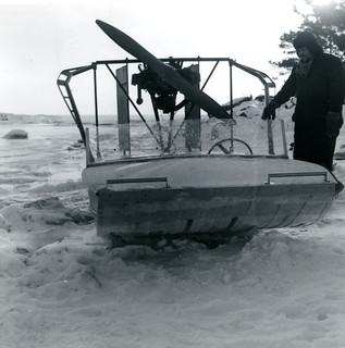 Hydrokopteri ja sen omistaja talvella 1965