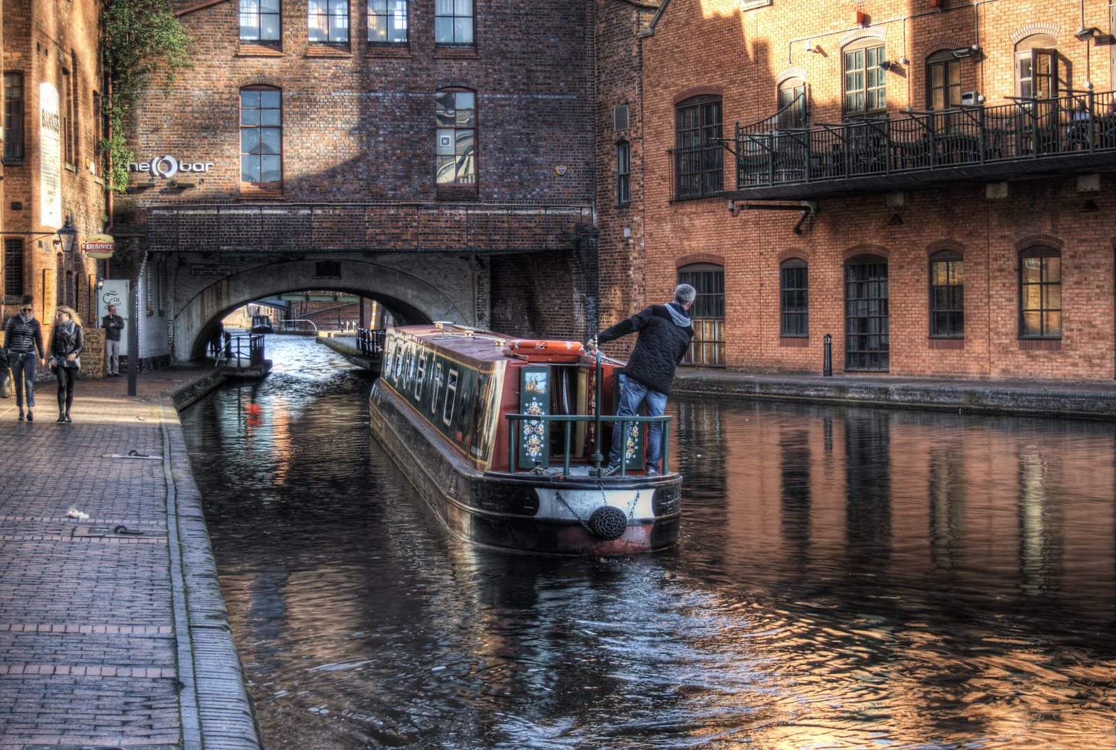 Narrowboat negotiating the Broad St. Tunnel, Birmingham. Credit Neil Howard, flickr