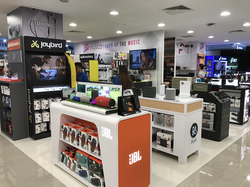Challenger Flagship Store (Bugis Junction) - Musica
