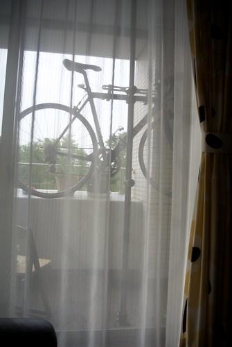 ソファからロードバイク