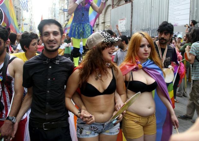 TURQUÕA HOMOSEXUALIDAD