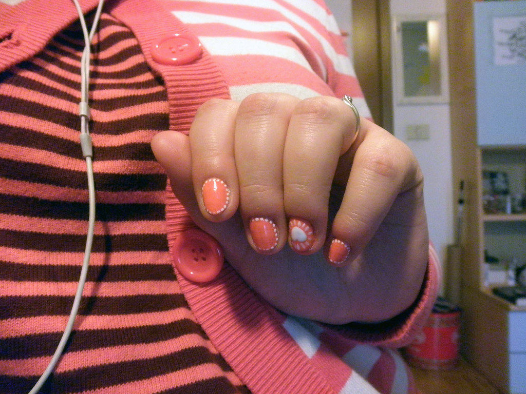nails- salmon&heart