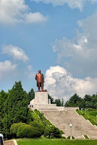 statue north korea socialism dprk coreadelnorte kimilsung kaesong 개성