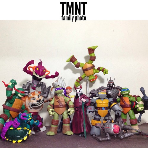 TMNT's big family portrait