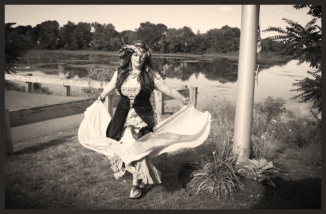 pirate wench dancer