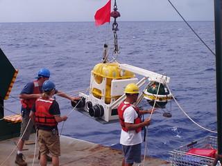 Deploying ocean-bottom seismometers