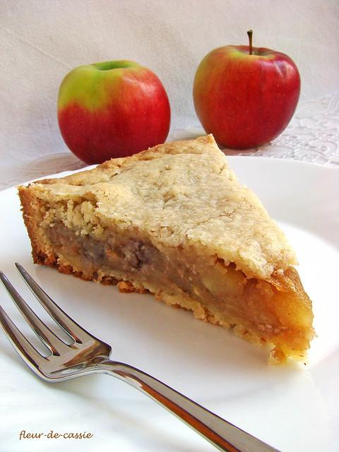 яблочный закрытый пирог 2