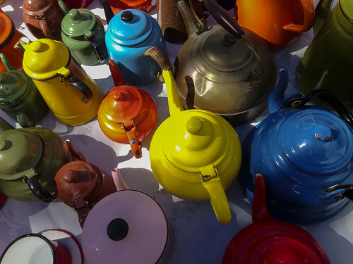 tea pots by b.poulter