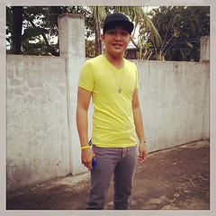 #offtochurch#yellow#blackhat#1stsundayofoctober#mamajeanneandme :)