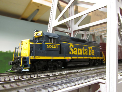 An H.O Scale Atchison, Topeka & Santa Fe freight train crossing the river. by Eddie from Chicago