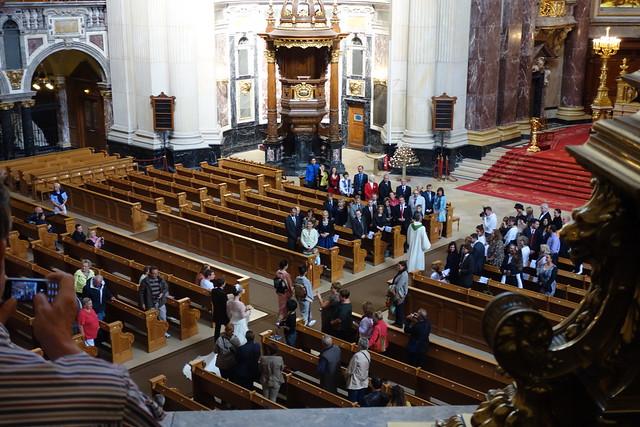 教堂內的婚禮