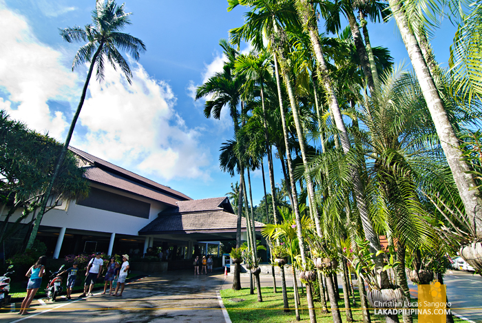 Bright Day at Phuket's Duangjitt Resort