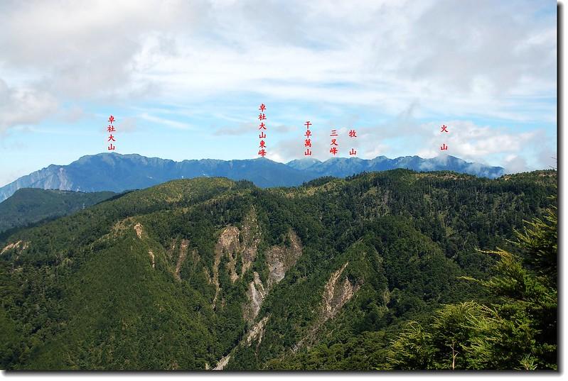 干卓萬山塊(七彩湖西北望) 2