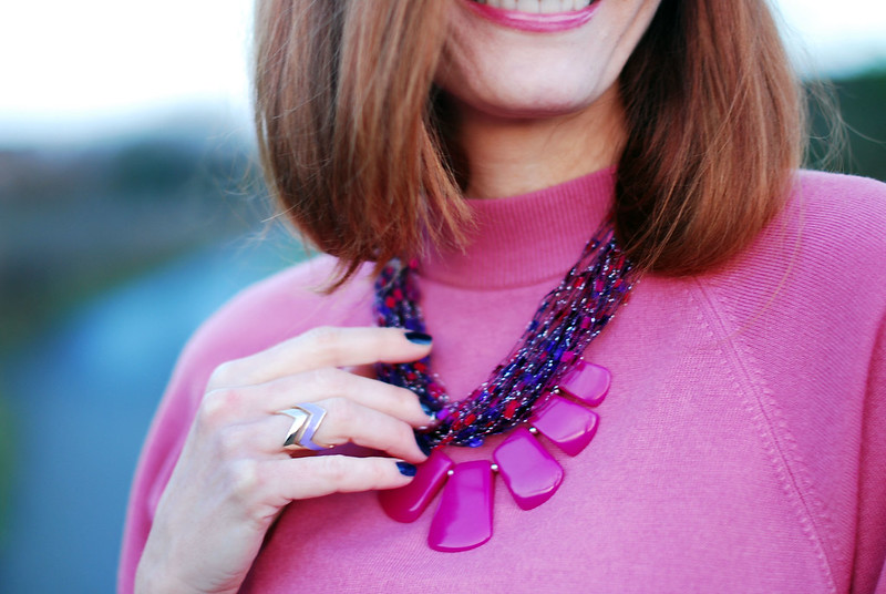Pink sweater & Radiant Orchid statement necklace