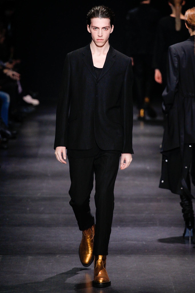 FW14 Paris Ann Demeulemeester006_Harry Curran(Style.com)