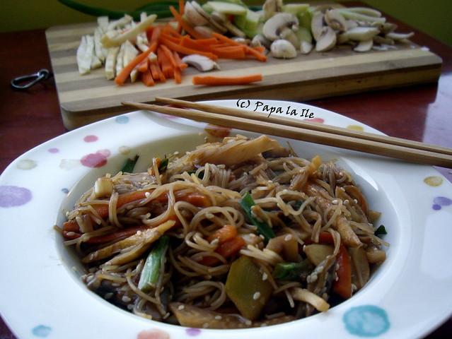 Taitei de orez cu legume (1)