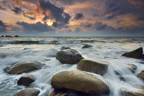 ocean travel sunset red sea summer wallpaper vacation sky orange cloud sun white color reflection tourism beach nature water beautiful sunshine weather collage sunrise season relax landscape evening spring scenery colorful day waves view cloudy outdoor background scenic shapes peaceful sunny backdrop meditation picturesque decline kuantan teluk cempedak