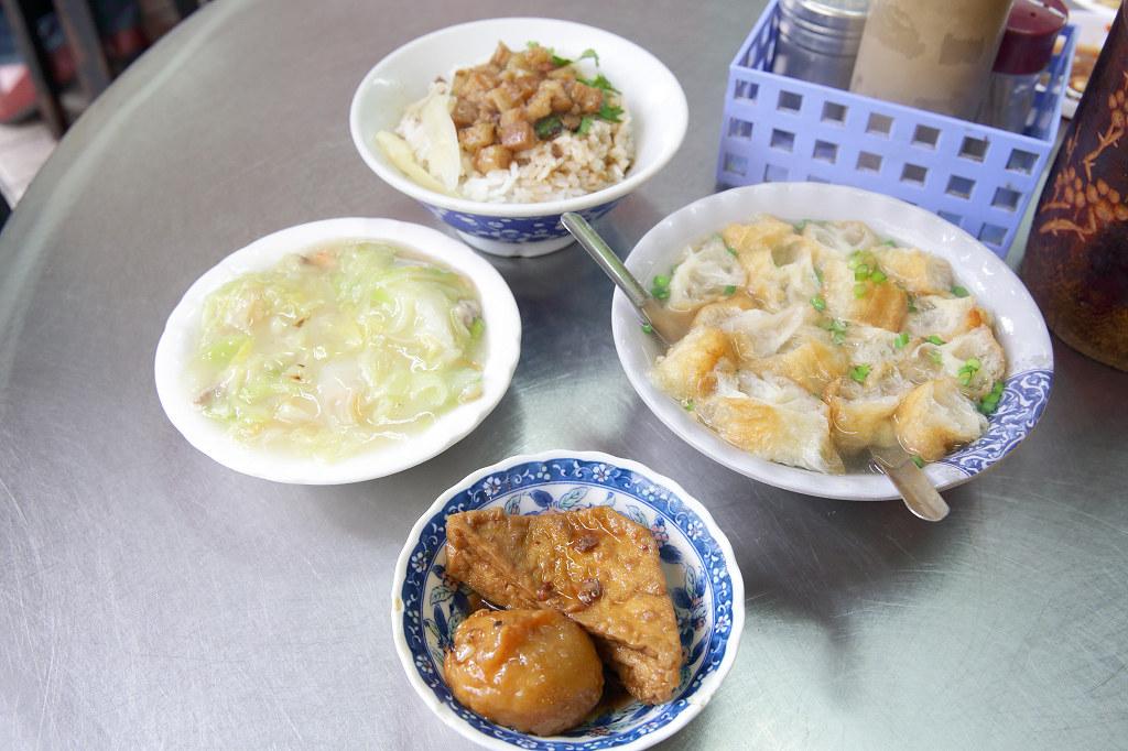 20131231台南-國華街滷肉飯+青草茶 (4)