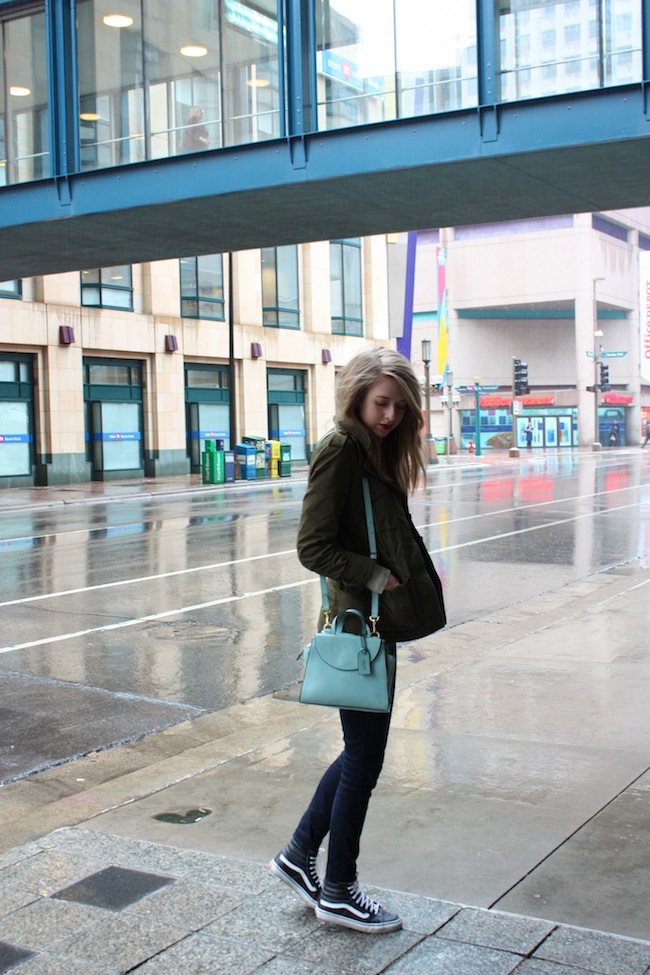 chelsea+lane+truelane+zipped+blog+minneapolis+fashion+style+blogger+madewell+utility+jacket+gap+stripe+tee+kate+spade+saturday+mini+a+satchel+steel+blue+vans+leather+sk8+hi1