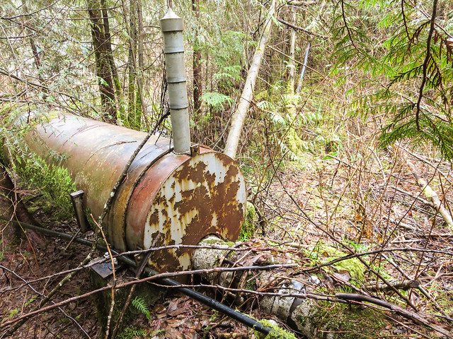 Pipeline leaves 25 m length section with a 30 inch diameter