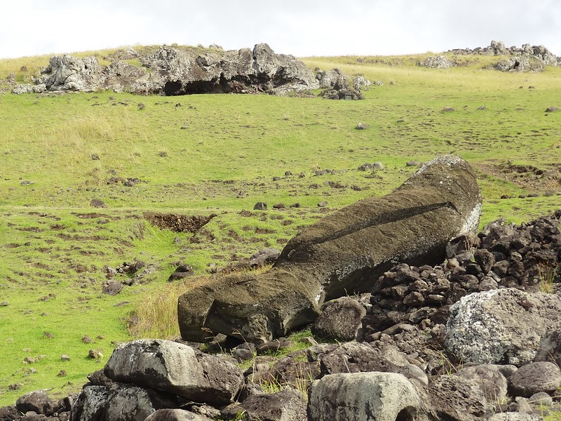 Easter island 23 84