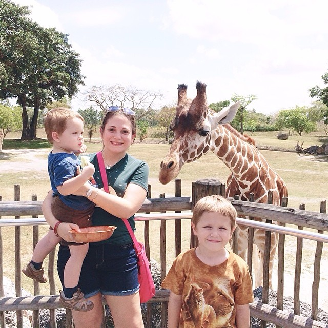 #pictapgo_app #zoomiami me & the boys with the #giraffe we fed! So #amazing!!