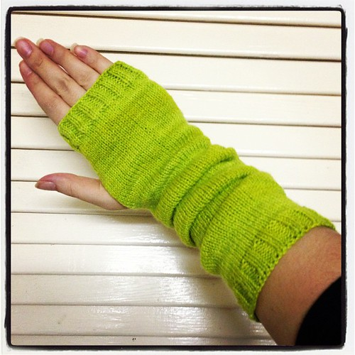 Finished one fingerless mitt, beautiful lime yarn by @gusseting #knitgeek