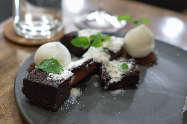 chocolate, coffee cake, chicory, raw milk, cream cheese frost