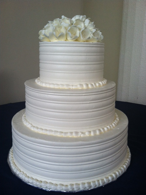 wc-white-flowers-2-wedding-cake