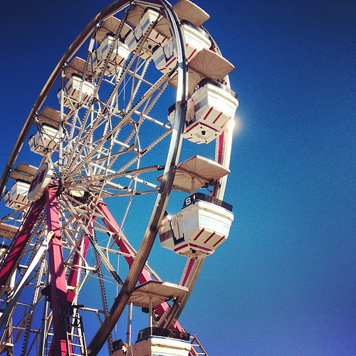Ferris wheels make me happy. #carpfair