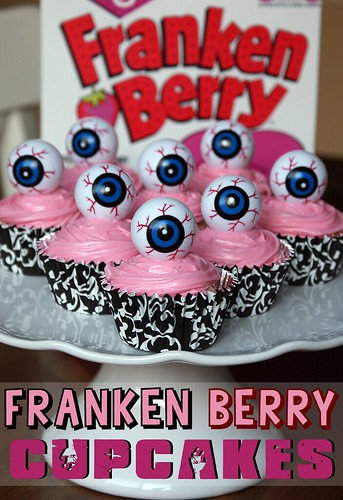 FrankenBerry Cupcakes by Heather Says